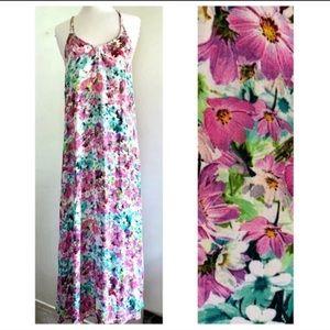 Tobi Floral Maxi Dress Size M